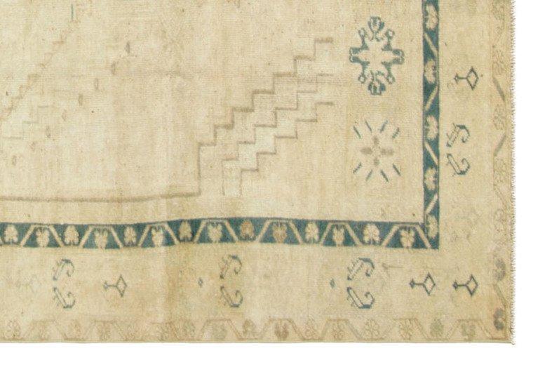 Anatolian oushak rug nalbandian treniq 2