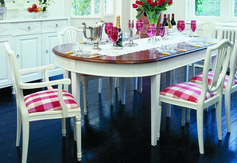 Kristane oval table gustavian treniq 2
