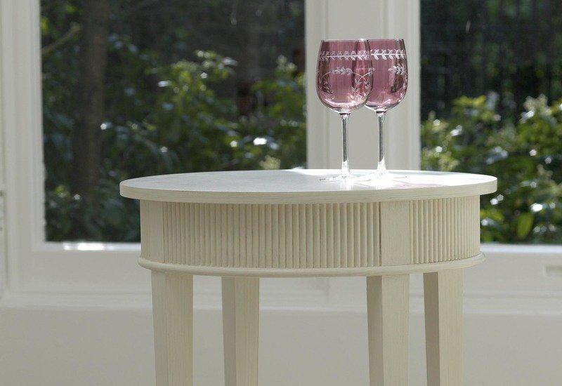 Kristane round side table gustavian treniq 2
