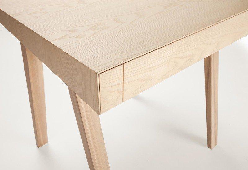 4.9 small side table emko treniq 4