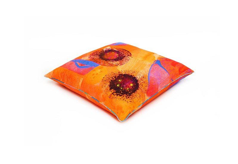 Poppy flower floor cushion so klara treniq 1