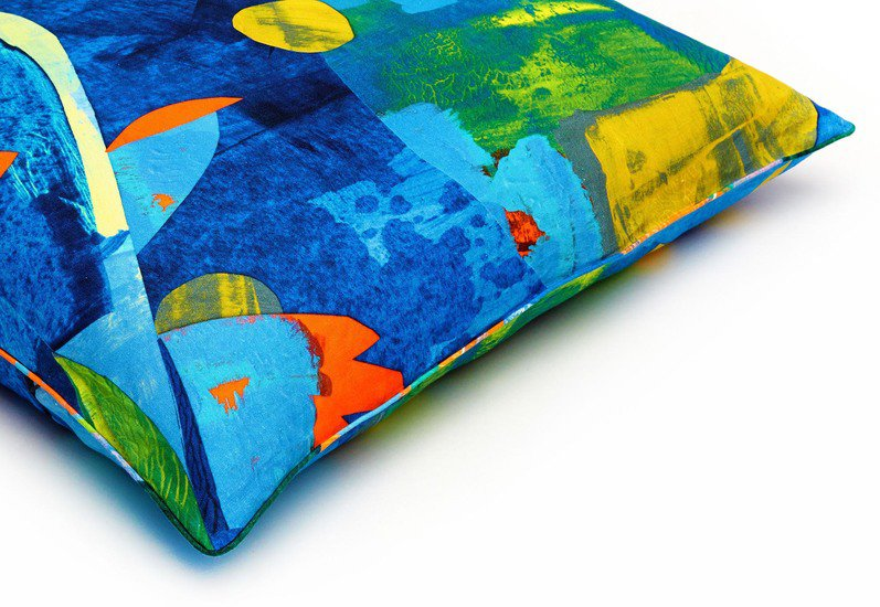 Wild birds floor cushion so klara treniq 3