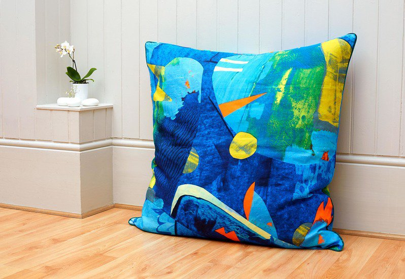 Wild birds floor cushion so klara treniq 6