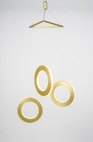 Electron tri pendand gold 2