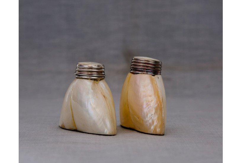 Mop salt   pepper set carved additions treniq 1