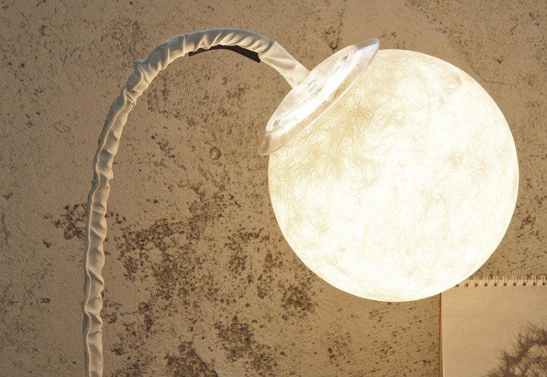 Micro luna table lamp in es.artdesign treniq 2