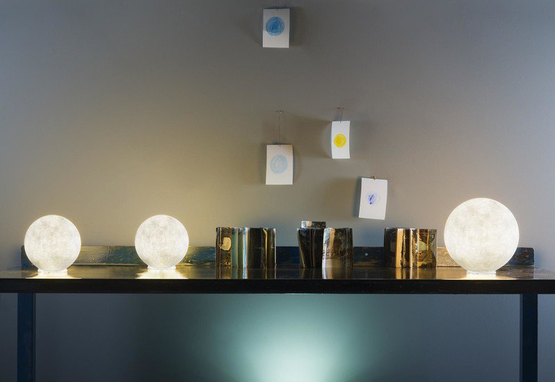Micro moon table lamp in es.artdesign treniq 4