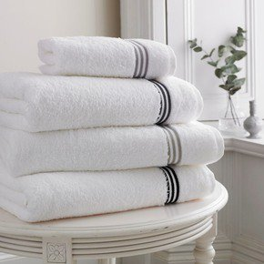 Milano-Towels_Kings-Of-Cotton_Treniq_0