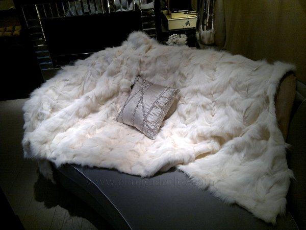 White fox fur bed scarf with cashmere lining. wm