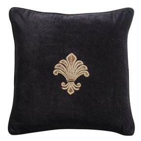 Acanthus-Zarsdosi-Cushion_Aztaro-Ltd._Treniq_0