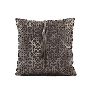 Line-Viyana-Cushion_Estetik-Decor_Treniq_0