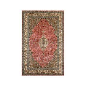 Gulab-Medallion-Kashan_Yak-Carpet-_Treniq_0