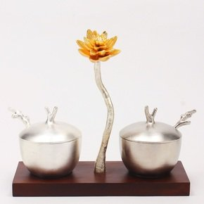 Sugar-And-Milk-Pot-Lotus-Collection_Home-N-Earth_Treniq_0
