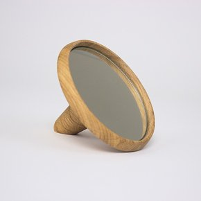 'satellite'-Hand-Mirror,-Natural-Oak_Møbel-Og-Rum_Treniq_0