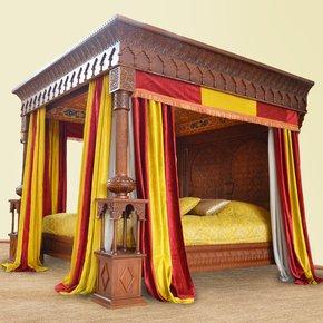 Betelgeuse-Canopy-Bed_Angara_Treniq_0