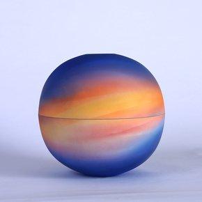 Two-Universe-Series-(Piece-3)_Ruiqi-Dai_Treniq_0