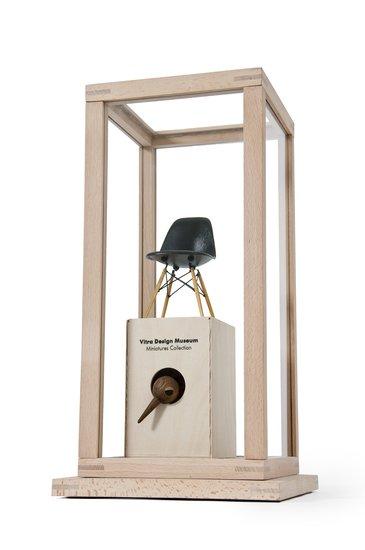Treasure troves   display cases wireworks london treniq 1 1499856124828