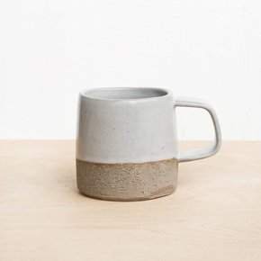 Tea-Cup-Light-Grey_Eunmi-Kim-Pottery_Treniq_0