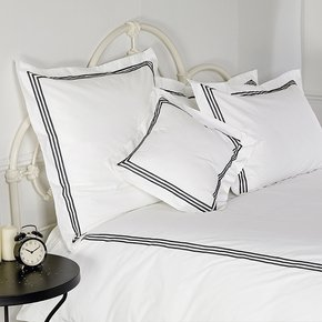 Milano-800-Thread-Egyptian-Cotton-Sateen-With-Three-Row-Cord-Oxford-Edge_Kings-Of-Cotton_Treniq_0