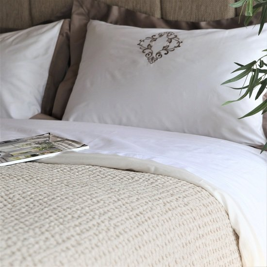 Ecuador throwover bedspread kings of cotton treniq 1 1501080351880