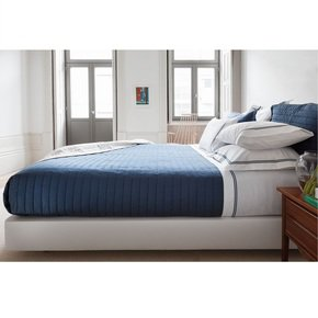 Mirage-Throwover-Bedspread_Kings-Of-Cotton_Treniq_0