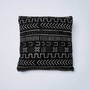 -Black-Mountain-Mudcloth-Cushion_Nomad-Design_Treniq_0