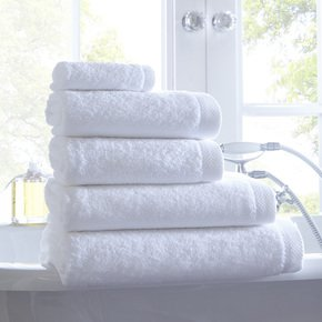 Venice-550-Gsm-Hotel-Towel-Collection_The-Fine-Cotton-Company_Treniq_0