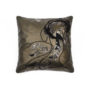 Chrysaora-Jellyfish-Cushion_Icastica-Studio_Treniq_0
