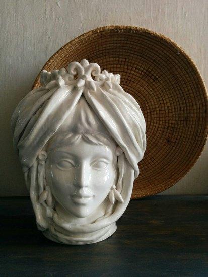 The white queen roberta picchi ltd treniq 1 1507639794506