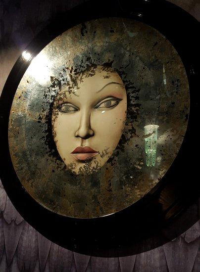 Hypnosis mirror eglidesign treniq 6 1508243304721