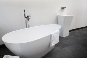 Modena-Freestanding-Stone-Cast-Bath_Bädermax_Treniq_6