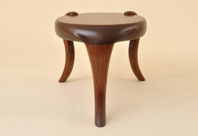 Elephant side table kung mana tongmee 2