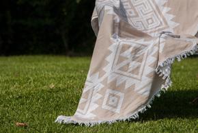 Drop-Towel_Arm-Knitting-By-Vs_Treniq_0