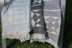 Sun-Towel_Arm-Knitting-By-Vs_Treniq_0