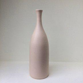 Shell-Pink-Bottle-Vase_Lucy-Burley-Ceramics_Treniq_0