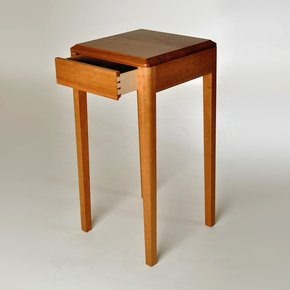 Cherry-Wood-Side-Table_Kung-Mana-Tongmee_Treniq_0