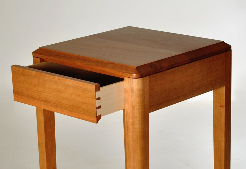 Cherry wood side table kung mana tongmee 3
