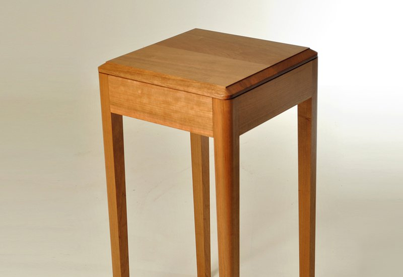 Cherry wood side table kung mana tongmee 4