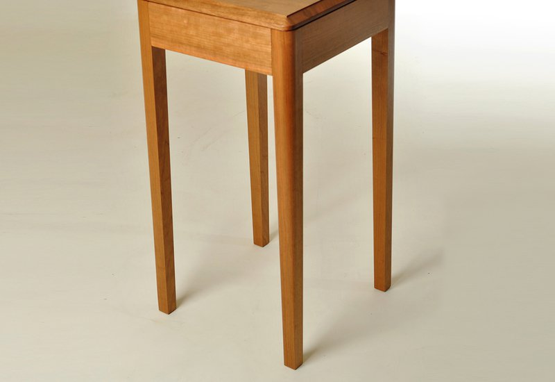 Cherry wood side table kung mana tongmee 5