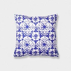 Tiles-Cushion-Iv_Inspirações-Portuguesas_Treniq_0