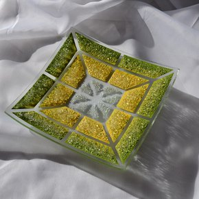 Bowl-Green-Yellow-20x20-Shallow_Arte-Glass_Treniq_0