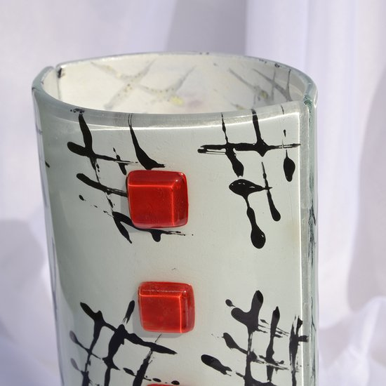 Vase white black 20 cm rounded arteglass treniq 8 1516294921294