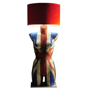 Her-Majesty-Table-Lamp_Magestic-Body-Lamps_Treniq_0