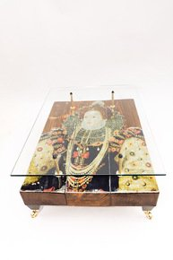 Queen-Elizabeth-I Coffee-Table-With-Glass-Top_Cappa-E-Spada-Bespoke-Furniture-Designs_Treniq_0