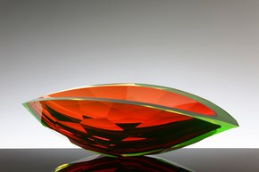 Amber-And-Green-Faceted-Vessel_Plateaux_Treniq_0