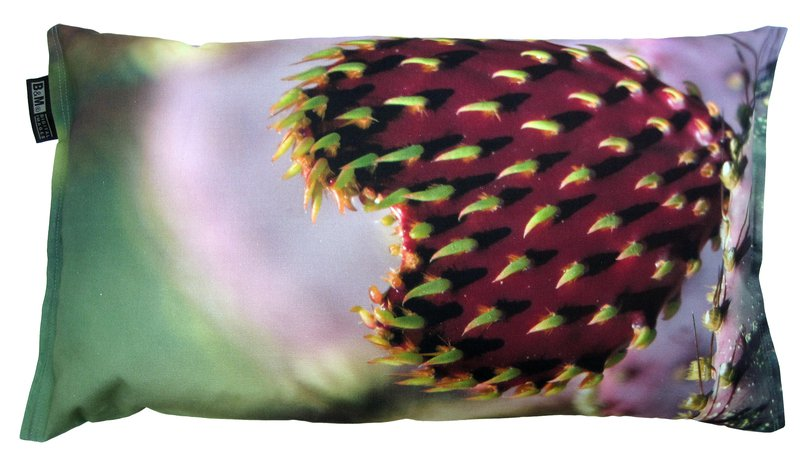 Valentines day heart pillow bendixen mikael treniq 1 1523968749172