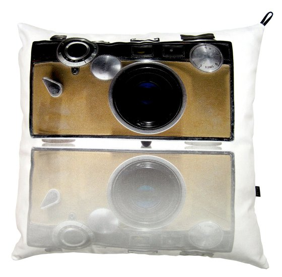 Camera pillow bendixen mikael treniq 1 1523988543982