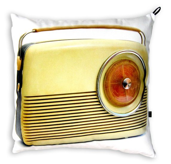 Radio with inner pillow. bendixen mikael treniq 1 1523988792224