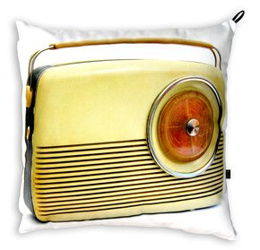 Radio-With-Inner-Pillow._Bendixen-Mikael_Treniq_0