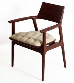 Tuettu-Chair-Iii_Alankaram_Treniq_0